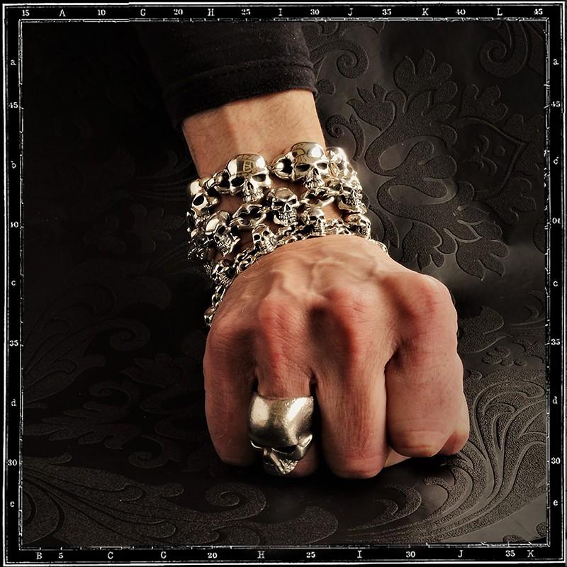 Evil skull link bracelet