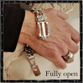 Buckle chain bracelet