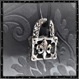 Padlock pendant