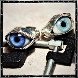 Lash eye ring
