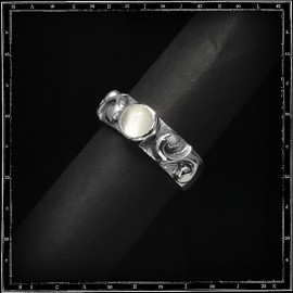 Two scrolls ring