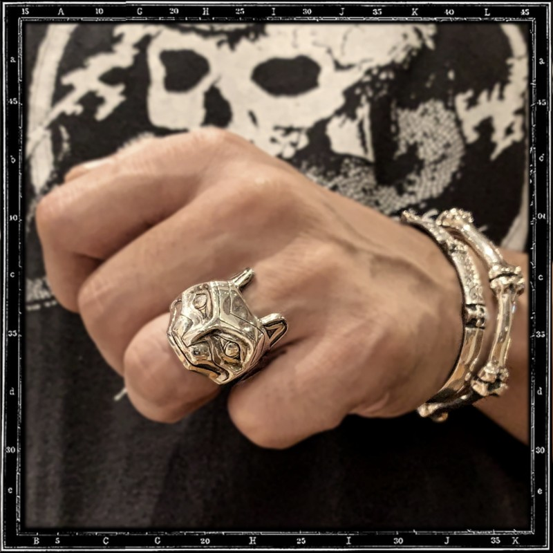 Totem face ring 3  (cat)
