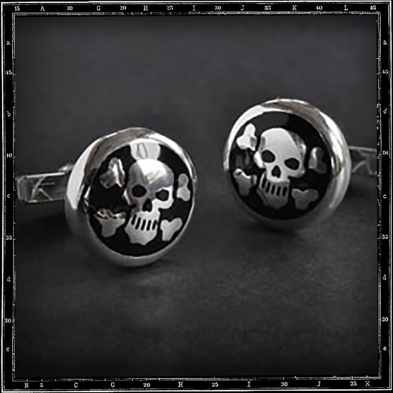 Skull & cross bone enamelled cufflinks