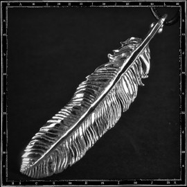 Louvres Feather Pendant (Large)