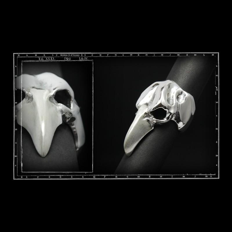 Vulture skull ring