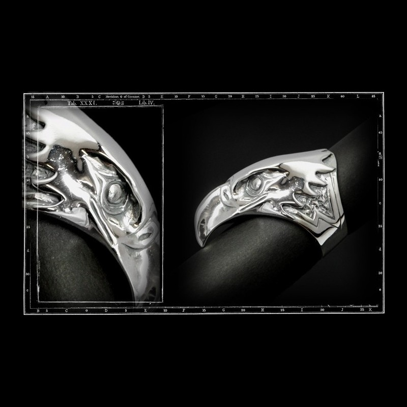 Large eagle head ring