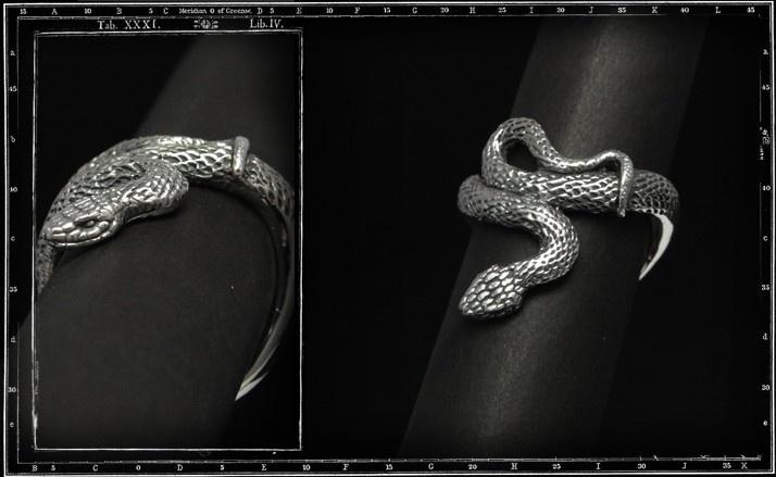 Boomslang snake ring