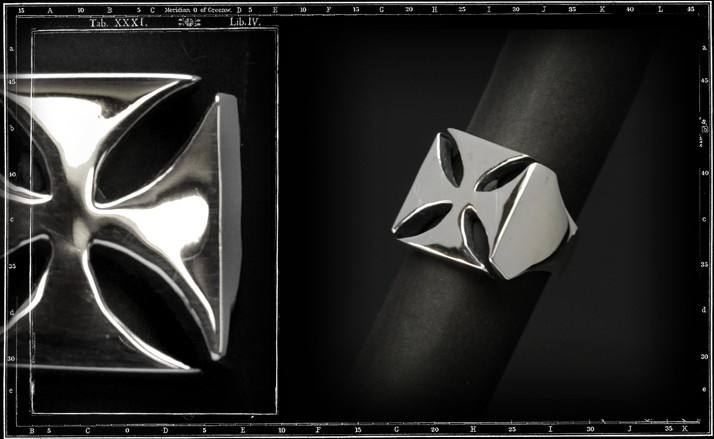 Maltese cross ring (plain)