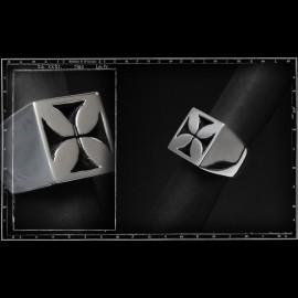 Maltese cross ring (square signet)