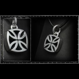 3d maltese cross pendant