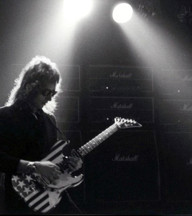 10-Armand-live.jpg